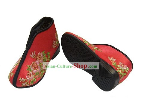 Chinese Traditional Handmade Embroidered Winter Cotton Shoes for Children (China rose)