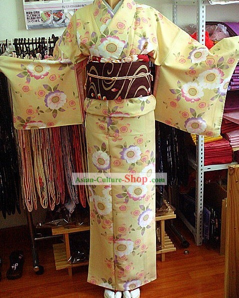 Traditional Japanese Light Yellow Kimono and Belt Full Set