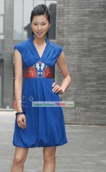Chinese Traditional Mandarin Blue Dress with Flower in the Waist