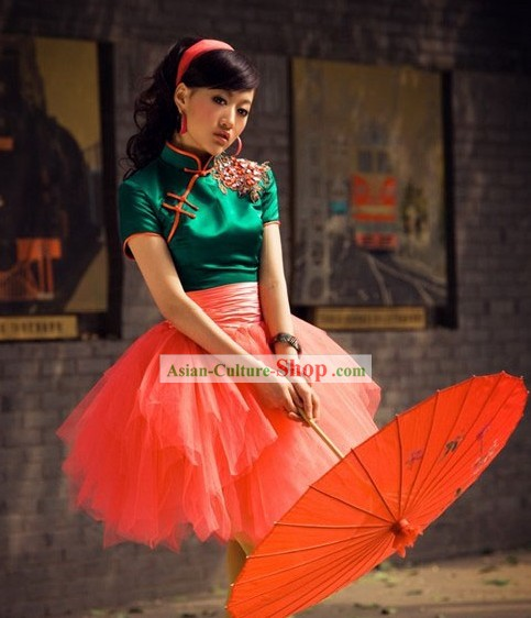 Traditional Chinese Umbrella Dance Costumes