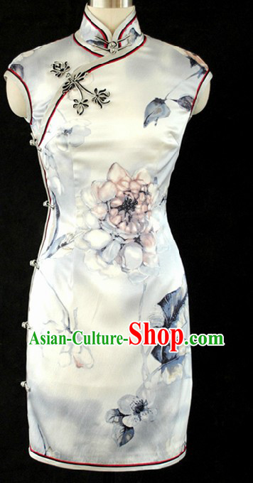 Chinese Classic Short Flower Silk Cheongsam for Women