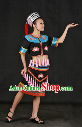 China Yao Ethnic Group Clothes and Hat for Women