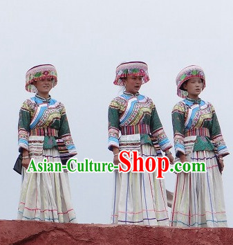 China Yunnan Lijiang Miao Minority Clothes and Hat for Women