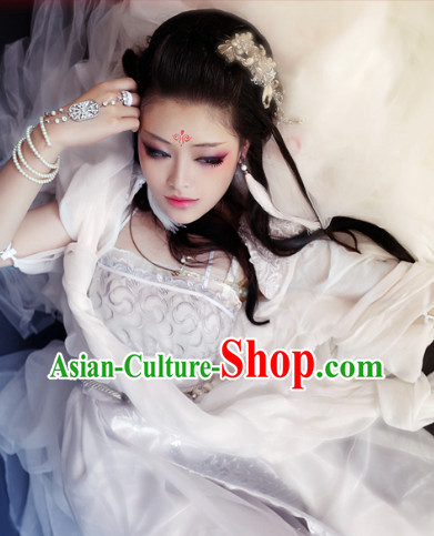 Chinese Traditional White Romantic Wedding Plus Size Dresses