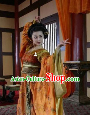 Tang Dynasty Yang Yuhuan Beauty Hanfu Clothes and Hair Jewelry Full Set