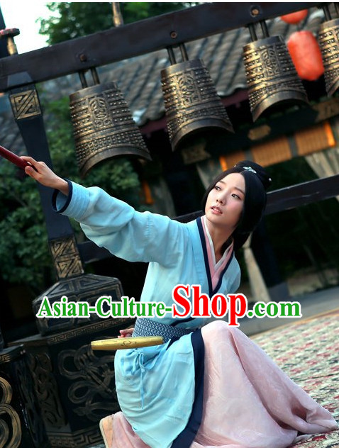 China Female Kung Fu Master Clothing Complete Set for Women
