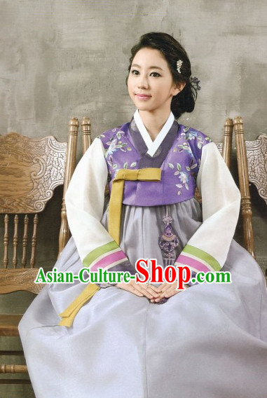 Korean Fashion Hanbok Wedding Attending and Hair Accessories Complete Set for LadiesKorean Fashion Hanbokss and Hair Accessories Complete Set for Ladies