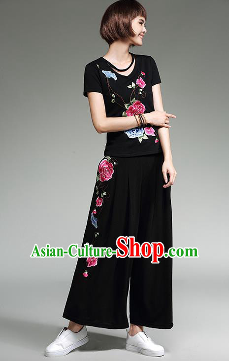 Traditional Chinese National Costume Loose Pants, Elegant Hanfu Embroidered Black Ultra-Wide-Leg Trousers, China Ethnic Minorities Tang Suit Pantalettes for Women