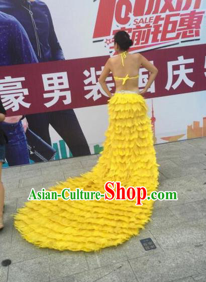 Top Grade Compere Professional Performance Catwalks Swimsuit Costumes, Traditional Brazilian Rio Carnival Samba Suits Modern Fancywork Yellow Feather Bikini Clothing for Women