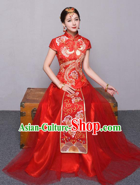 Traditional Ancient Chinese Wedding Costume Handmade Embroidery Peony Veil Short Sleeve Xiuhe Suits, Chinese Style Wedding Dress Red Embroidery Dragon and Phoenix Flown Bride Toast Cheongsam for Women