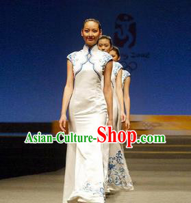 Traditional Chinese National Young Lady Qipao Costume, China Blue Embroidered Cheongsam Dress for Women