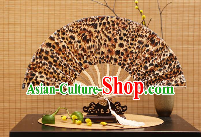 Traditional Chinese Crafts Printing Leopard Silk Folding Fan Sensu Fans for Women