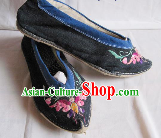 Asian Chinese Traditional Hanfu Shoes Ethnic Handmade Embroidered Black Shoes for Women