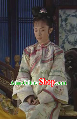 Chinese Ancient Qing Dynasty Shunzhi Imperial Concubine Dong Embroidered Manchu Dress Historical Costume for Women
