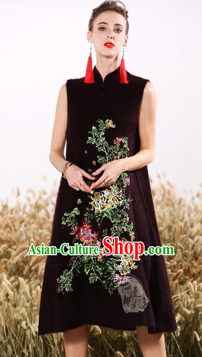 Chinese National Costume Embroidered Cheongsam Qipao Dress for Women