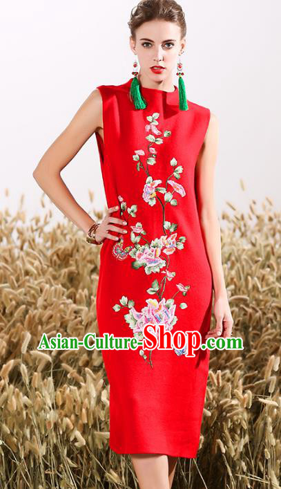 Chinese National Costume Embroidered Butterfly Red Cheongsam Vintage Qipao Dress for Women