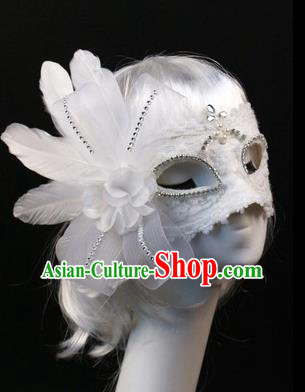 Halloween Exaggerated White Feather Face Mask Venice Fancy Ball Props Catwalks Accessories Christmas Masks