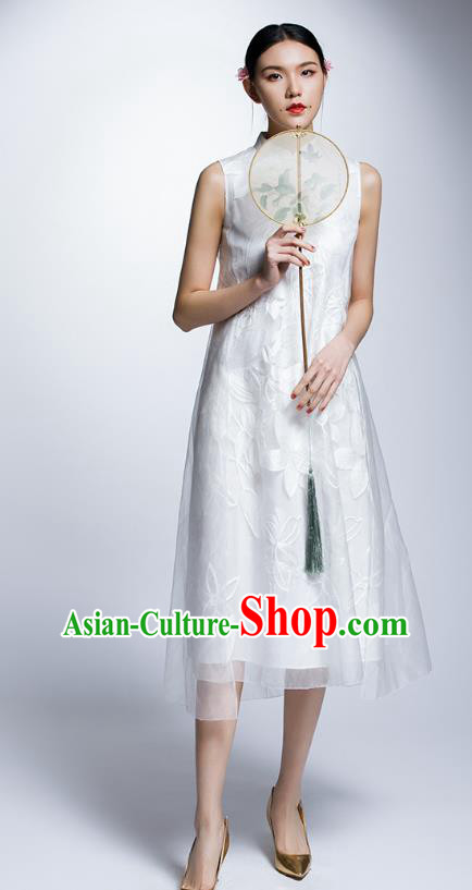 Chinese Traditional Embroidered White Cheongsam China National Costume Tang Suit Qipao Dress for Women