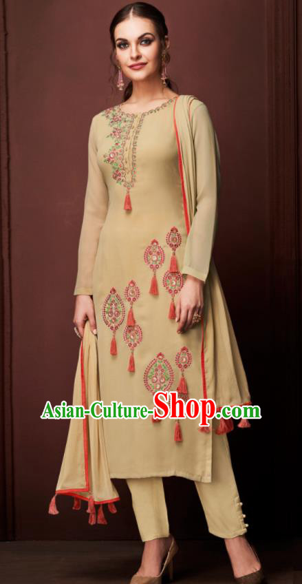 Asian Indian Punjabis Embroidered Yellow Blouse and Pants India Traditional Kurti Costumes Complete Set for Women