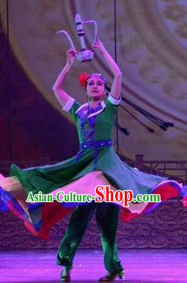 Ganzhou Musical Dance Chinese Hui Nationality Green Dress Stage Performance Dance Costume and Headpiece for Women