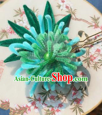 Traditional Chinese Ancient Qing Dynasty Light Blue Velvet Chrysanthemum Hairpins Handmade Palace Hair Accessories for Women