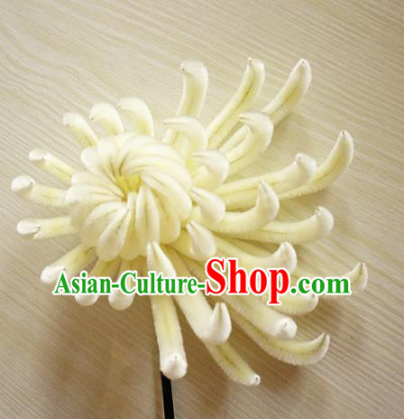 Chinese Handmade Palace White Chrysanthemum Velvet Hairpins Ancient Queen Hair Accessories Headwear for Women